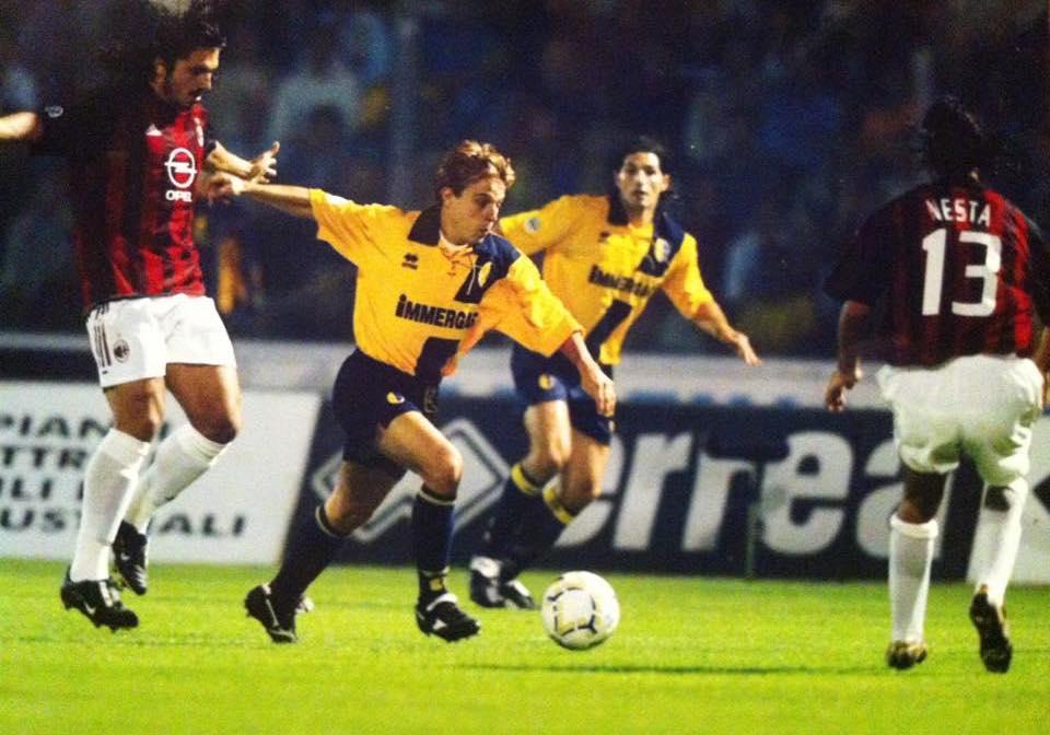 Rubens Pasino con la maglia del Modena a San Siro. (Foto archivio R. Pasino)