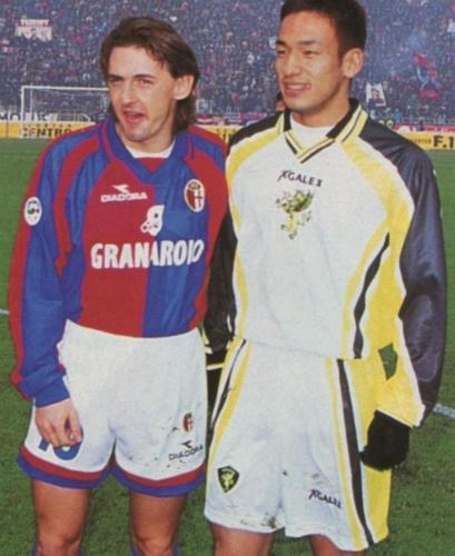 Serie A 1998-99 - Bologna vs Perugia - Giuseppe Signori e Hidetoshi Nakata